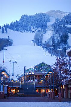 Aspen Mountain Ski lift by Rick Cummings, via Flickr    Always wanted to go the Aspen at Christmas time