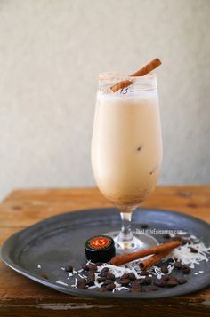 This coffee cocktail has tropical flavor thanks to delicious coconut cream and citrusy vanilla flavored Licor 42 | The Little Epicurean