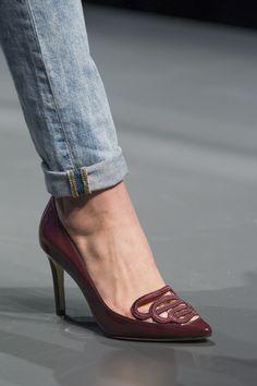 Scarpin | Bordados | Guilhermina Shoes | marsala | Inverno 2015