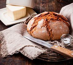 Rustikales Bauernbrot, das geschmacklich überzeugt und schnell und einfach zubereitet ist. Wir haben das Rezept für euch!