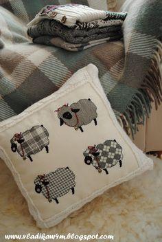a la espera de un milagro: Almohada con lana de ovejas / corderos de lana Cojín