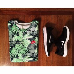 Nike patterned palm tree men's tee This Nike men's t-shirt is all the rage right now. **Brand new with tags!! Never worn✌️ Nike Tops Tees - Short Sleeve