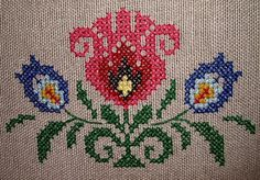 This Pin was discovered by Nev Cute Cross Stitch, Cross Stitch Borders, Cross Stitch Alphabet, Cross Stitch Flowers, Cross Stitch Designs, Cross Stitching, Cross Stitch Patterns, Folk Embroidery, Cross Stitch Embroidery