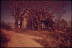 The Owners of This Farm Sold Out to the Hanna Coal Company in Off Route near Barnesville, Ohio, and Steubenville. Barnesville Ohio, Steubenville Ohio, Still Picture, Photo Maps, National Archives, Gothic, Country Roads, United States, History