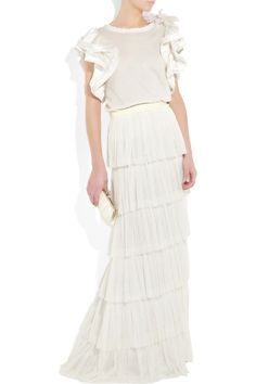 Beach wedding does not equal to a spaghetti strapped linen dress. Ruffled t-shirt and tiered skirt; Lanvin.