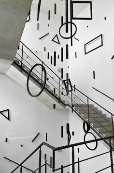 Stufen zur Kunst - Esther Stocker – Gestalt - Kunstverein Hannover