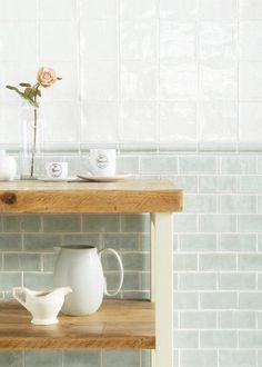 Papyrus white field tiles with Mint mouldings and field tiles. Bad Inspiration, Bathroom Inspiration, Kitchen Cabinetry, Kitchen Backsplash, Bathroom Interior Design, Interior Design Living Room, Handmade Tiles, Handmade Ceramic, Studio Kitchen