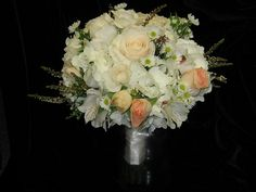 Sweet bouquet of creams and blushes | Pod Shop Flowers Wedding Designs | #wedding #bouquet #flowers