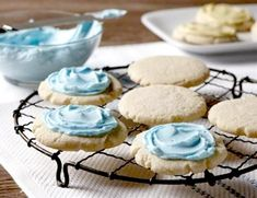 Recipe for almond icing for cookies