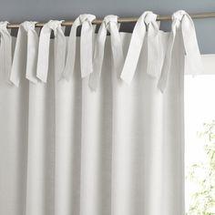 Белые шторы.