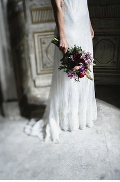 """Breathtakingly wedding editorial """"Flower and Bones"""" from Mikhail Loskutov Photography"""