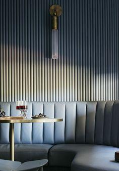 A Short Home Decor Guide For Contemporary Interior Design kitchen Estilo Interior, Cafe Interior, Interior Design Kitchen, Interior Styling, Interior Decorating, Design Bathroom, Luxury Homes Interior, Luxury Home Decor, Decoration Inspiration