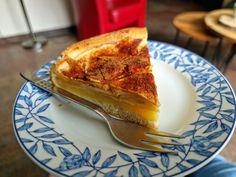 De laatste werkdag van de week was eindelijk daar. Na een korte werkdag begon voor mij het weekend met een gezellige verjaardag van mam. Fijne mensen, goed nieuws, lekkere taart en een grappige reel. Heb je je kopje thee al bij de hand? Donderdag 15 april 2021 Lief dagboek, Vandaag… Het bericht &Zus dagboek #11 dubbel feest op de verjaardag van mam verscheen eerst op Bij Zus. French Toast, Breakfast, Desserts, Food, Blogging, Morning Coffee, Tailgate Desserts, Deserts, Essen