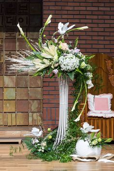 one of my exhibits in Kent Area Show. Contemporary Flower Arrangements, Creative Flower Arrangements, Tropical Flower Arrangements, Beautiful Flower Arrangements, Beautiful Flowers, Funeral Floral Arrangements, Church Flower Arrangements, Church Flowers, Flower Centerpieces