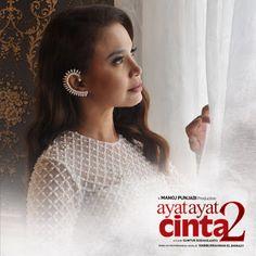 AmidayrusLirik - Film sekuel ' Ayat-ayat Cinta 2 ' saat ini sedang melalui proses rekaman untuk original soundtrack. Sebelumnya, Kr...