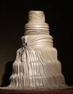 Love this! Wedding cake that looks like a wedding dress. Creative and beautiful!