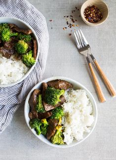 Beef and broccoli stir fry for two--all made in one pan. Just add rice or noodles and serve this easy skillet beef dinner for two! Better than takeout! And done in under an hour! Broccoli Fried Rice, Beef Broccoli Stir Fry, Easy Beef And Broccoli, Easy Cheap Dinner Recipes, Easy Chicken Dinner Recipes, Healthy Dinner Recipes, Gatsby, Easy Stir Fry, Food Dishes