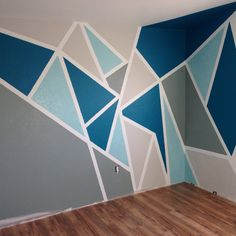 My attempt at a Pinterest wall paint. The blue does not photograph the actual color. I used Behr (The Real Teal CB-10)