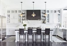 Architect: Steve Giannetti, Giannetti Architecture and Interiors Inc. Interior Designer: Adam Hunter