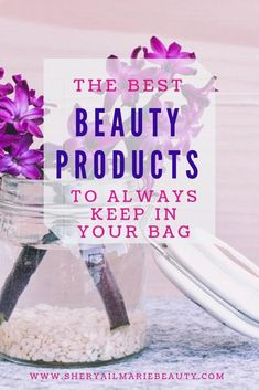 5 Beauty Products You Should Keep In Your Purse or Bag Beauty Secrets, Beauty Products, Beauty Hacks, Beauty Tips, Organic Beauty, Organic Skin Care, Makeup Must Haves, Green Eyeshadow, Keep On