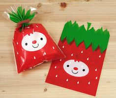 Suitable for favor bags, food packing, product packaging, gift packing, and anything else you can imagine. - Quantity : 10 bags - Size : 5 x in x cm) - Material : cellophane ▼▼▼▼▼ Thank You! Kids Packaging, Food Packaging Design, Cute Packaging, Felt Crafts, Diy Crafts, Cute Strawberry, Ideas Para Organizar, Wedding Gift Bags, Cellophane Bags