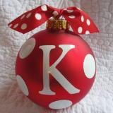 Linked to: www.polkadotchristmas.com/2009/11/cutest-polka-dot-personalized-ornaments.html