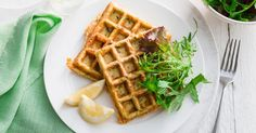 Transform your favourite zucchini slice into beautiful green crunchy waffles. Finger Foods For Kids, Healthy Meals For Kids, Kids Meals, Healthy Eating, Zucchini Waffles, Zucchini Slice, Cheese Waffles, Waffle Recipes, Snack Recipes