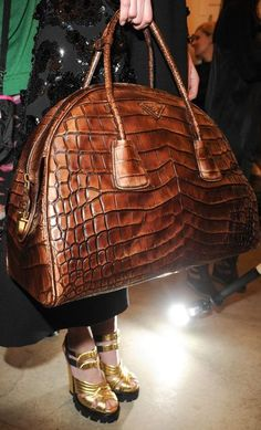 Ever seen something that you think to yourself.. this bag needs me in its life...
