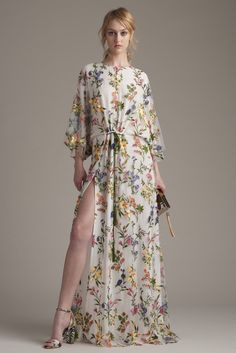 Monique Lhuillier Resort 2016 - Collection - Gallery - Style.com  http://www.style.com/slideshows/fashion-shows/resort-2016/monique-lhuillier/collection/35