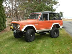 Classic Ford Bronco early SUV