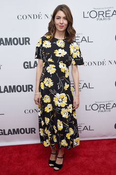 Drew Barrymore, Tracee Ellis Ross, & Laverne Cox Honor the Women of the Year!: Photo Drew Barrymore, Tracee Ellis Ross, and Laverne Cox hit the red carpet at the 2017 Glamour Women of the Year Awards on Monday night (November at Kings Theatre… Sofia Coppola Style, Tracee Ellis Ross, Glamour, Polka Dot Blouse, Stylish Girl, Red Carpet Fashion, Portrait, Fashion Advice, Nice Dresses