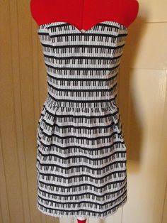 Piano Dress. #musicfashion http://www.pinterest.com/TheHitman14/hey-ladies-coolmusicfashion/