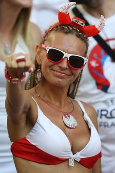 A Polish supporter cheers before the Euro 2016 quarterfinal football match between Poland and Portugal at the Stade Velodrome in Marseille on June Hot Football Fans, Football Girls, Soccer Fans, Football Match, Soccer World, World Football, Fifa 2006, Hot Fan, Tennis