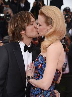 Nicole Kidman & Keith Urban Kissing Compilation @ www.wikilove.com