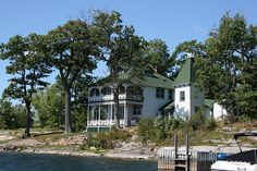 Thousand Island Great Porch Alexandria Bay, Home Structure, Island Park, Thousand Islands, St Lawrence, The St, Places To See, Beautiful Places, Cottage