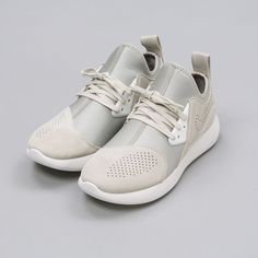 Nike Lunarcharge Premium in Bone 923281-002 Notre