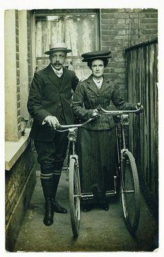 VELOCIPEDE~old school biking