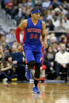89c9c4381920 Detroit Pistons Basketball - Pistons Photos - ESPN
