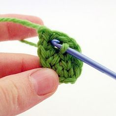 Tutorial on how to crochet a cute little leaf.