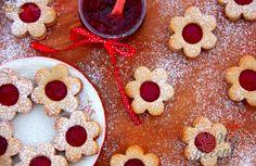 Špaldové linecké bez cukru i bez vajíčka | NejRecept.cz Xmas, Christmas, Gingerbread, Oatmeal, Deserts, Food And Drink, Low Carb, Pudding, Sweets