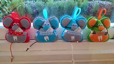Conjunto de ratones guarda dientes, con bolsillo para guadar el diente para el ratón Perez, y ponerlo bajo la almohada. 10x9 cm aprox. 7.50€