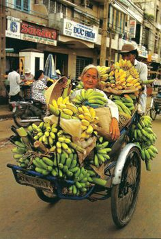 banana lady, picture shot in  Ho Chi Ming City, Vietnam