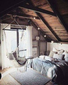 Why attic bedrooms are so cool? Today we share attic bedrooms full of beauty, we are sure that you'll want them as master bedrooms in your home. Dream Rooms, Dream Bedroom, Home Bedroom, Bedroom Small, Trendy Bedroom, Hammock In Bedroom, Bedroom Loft, Bedroom Swing Chair, Gypsy Bedroom