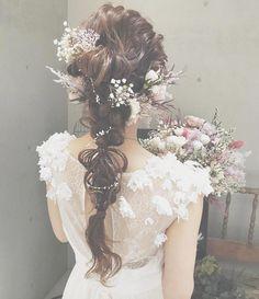 いいね!2,299件、コメント2件 ― プレ花嫁の結婚式準備アプリ♡ -ウェディングニュース-さん(@weddingnews_editor)のInstagramアカウント: 「* * * ヘアアレンジも、 #ヘッドドレス も全てが #ナチュラル 可愛い とってもおしゃれな #ブライダルヘア ✨ * * こちらのお写真は #ドレスショップ…」