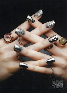 Nailholic Manicurist - Eun Kyung (@nailbarbie) Hand Model - Choi Hyun Suk