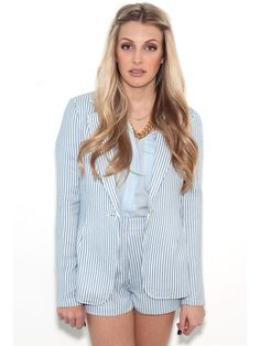 Pretty in pastels. Freshen up your wardrobe for spring with the Ark  Co. Terry Blazer. Light and bright, this tailored blazer is made chic in a classic woven stripe with a single button closure. Layer over your dresses and trouser shorts or go edgy and pair with cut offs [...]