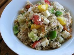 You'll love this wonderful seasonal salad! It offers wonderful seasonal treats, along with cold cooked quinoa. Isn't it colorful? And it is oh-so-delicious. Adding chicken and cheese — or how about some diced hard-boiled eggs? — turns it into a main dish. A very easy meal, I'd say! | GNOWFGLINS.com