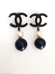 CHANEL 2014 - 2015 FALL **HOT** BLACK CC & WHITE BLACK PEARL DRESS EARRINGS NEW #Chanel #DropDangle