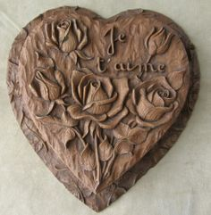 "VINTAGE PULP WOOD BOX HEART SHAPE CHOCOLATE ROSES BUDS CARVED 11"" 45$"