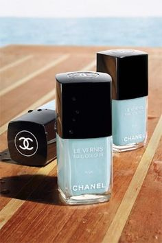 Chanel Nail Polish in Tiffany Blue --- I need to track this down ASAP. I would paint a room of my house Tiffany blue (the fancy guest powder room, natch) if I had one! Chanel Nail Polish, Chanel Nails, Blue Nail Polish, Polish Nails, Nail Polishes, Bleu Tiffany, Tiffany Blue Nails, Cute Nails, Pretty Nails